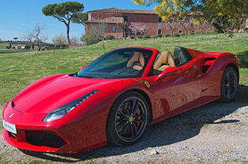 Ferrari rijden in Italië